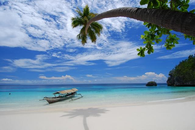 Isla Kediri en las Islas Togean (c) www.pasonoroeste.com