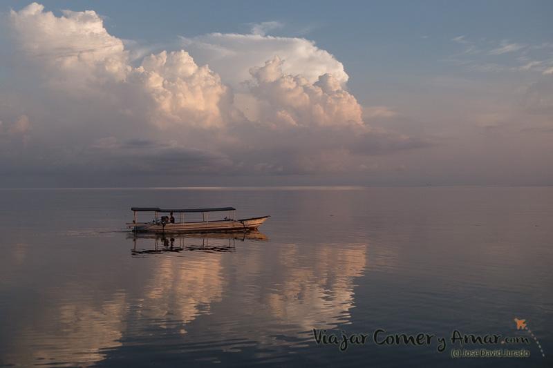 ID-Indonesia-Sulawesi-Islas-Togean-Islands-Bolilanga-P1330361-Viajar-Comer-Y-Amar