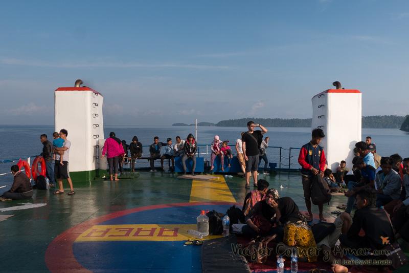 Cubierta exterior del ferry.