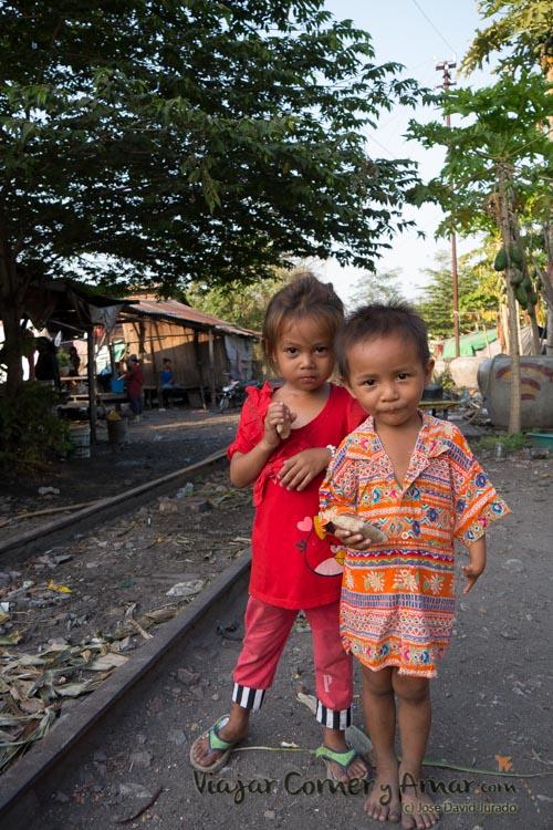Battambang-ferrocarril-abandonado-Camboya-KH-P1430800-Viajar-Comer-Y-Amar