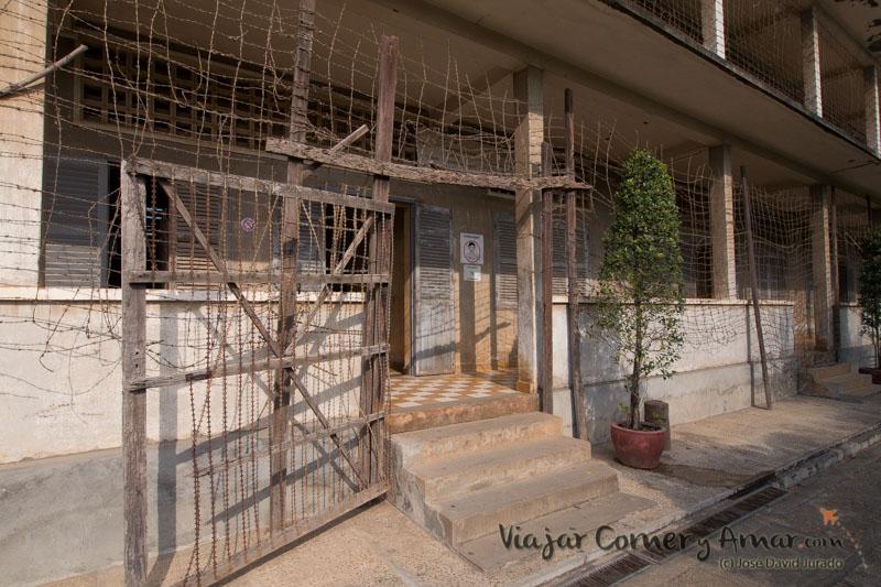 Prision-Toul-Sleng-S21-Phnom-Penh-Camboya-MY-P1400972-Viajar-Comer-Y-Amar
