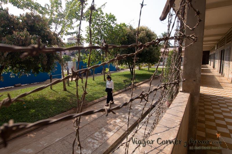 Prision-Toul-Sleng-S21-Phnom-Penh-Camboya-MY-P1400976-Viajar-Comer-Y-Amar
