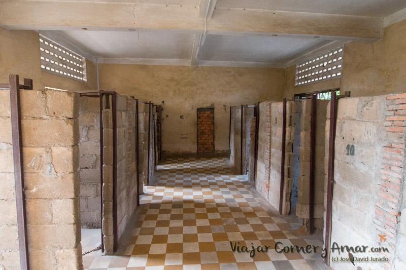 Prision-Toul-Sleng-S21-Phnom-Penh-Camboya-MY-P1410003-Viajar-Comer-Y-Amar