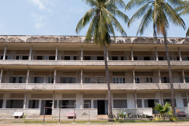 Prision-Toul-Sleng-S21-Phnom-Penh-Camboya-MY-P1410029-Viajar-Comer-Y-Amar