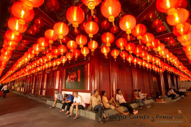 Al fresco bajo los farolillos (Singapur).