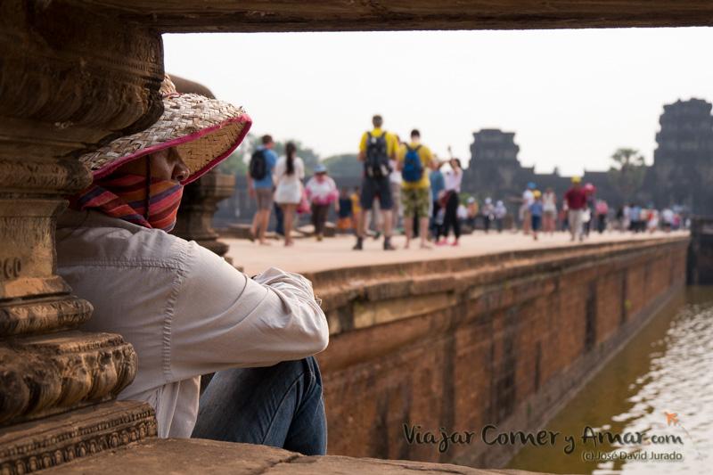 El turismo, la nueva religión que llena los templos de Angkor.