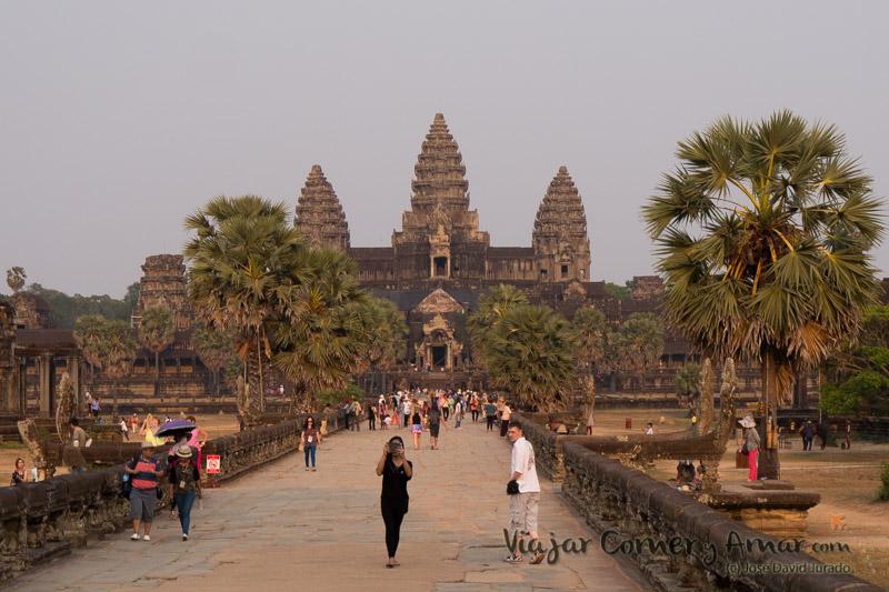 Atardecer en Angkor Wat.