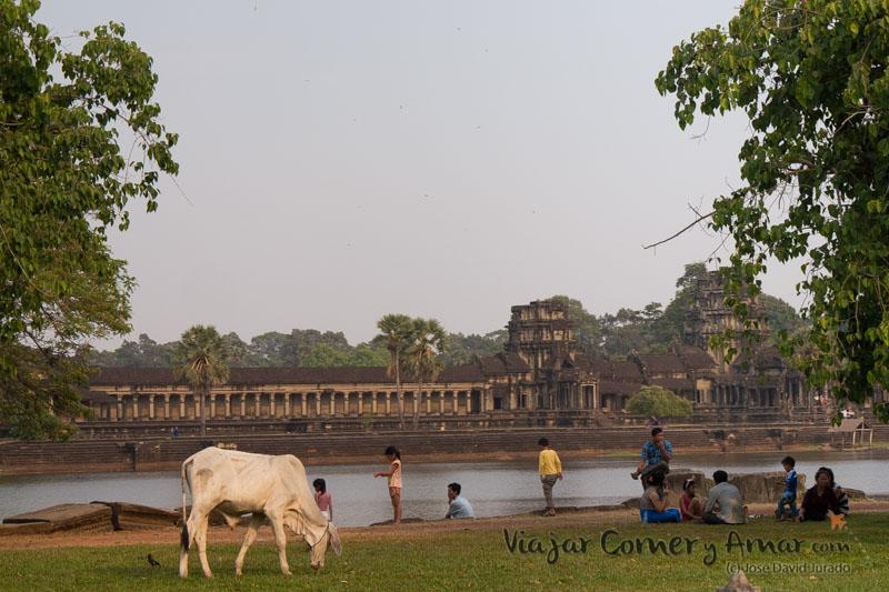 Puerta principal de Angkor Wat.