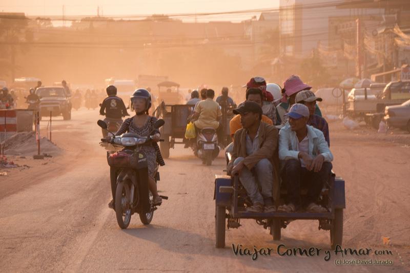 De vuelta del trabajo (Siem Reap, Camboya).