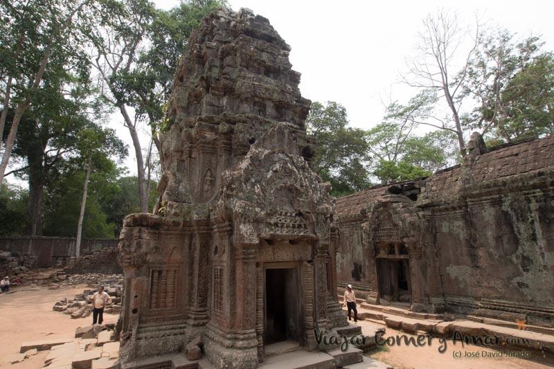 Parte trasera del templo.