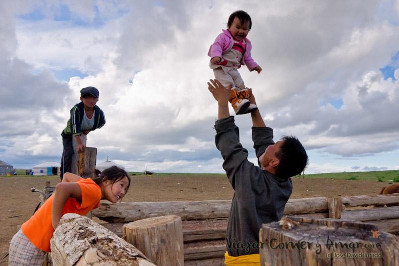 Transmongoliano-Mongolia-Doma-Caballos-Viajar-Comer-y-Amar-P1110881-Viajar-Comer-Y-Amar