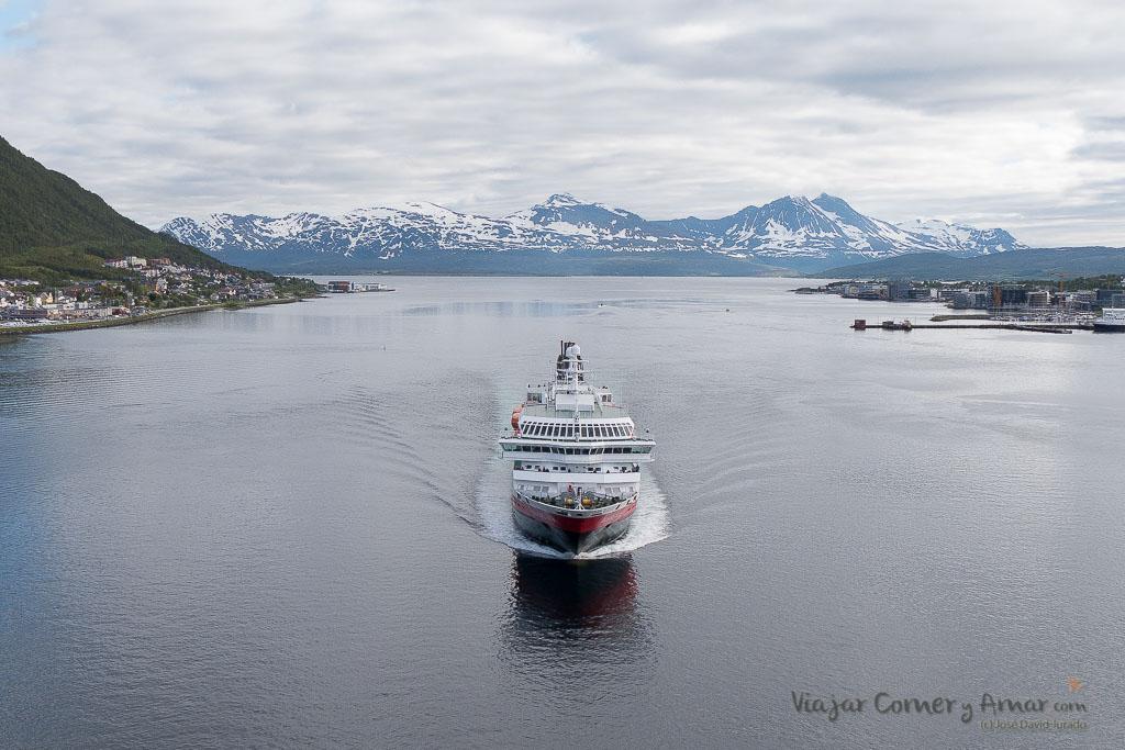 Hurtigruten - Laponia Noruega en verano.