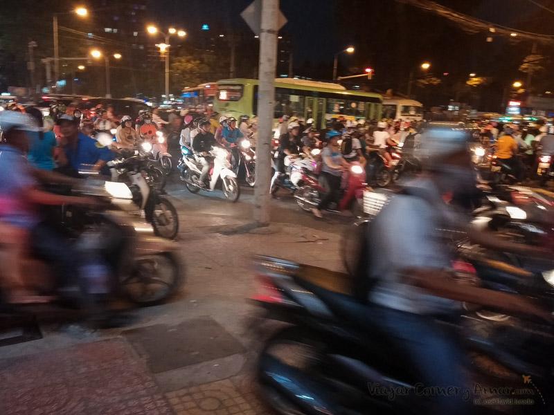 Conducir-moto-vietnam-20150410_182814-Viajar-Comer-Y-Amar