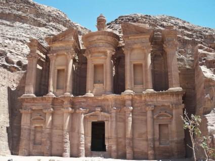Al-Deir, el monasterio en la cima de Petra.